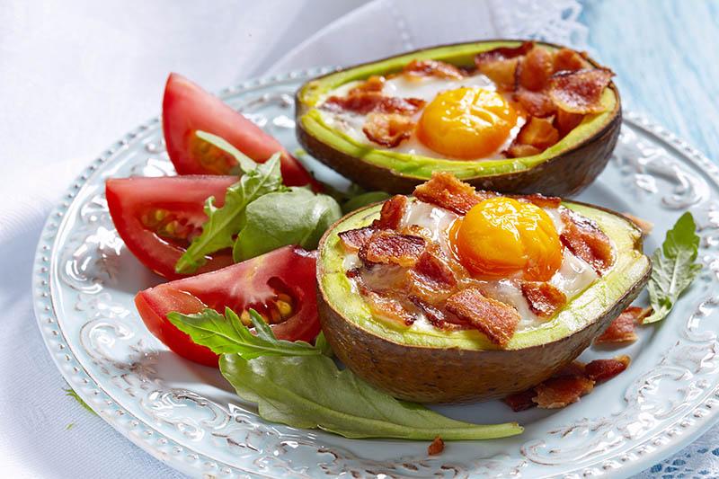 avokado, egg, bacon